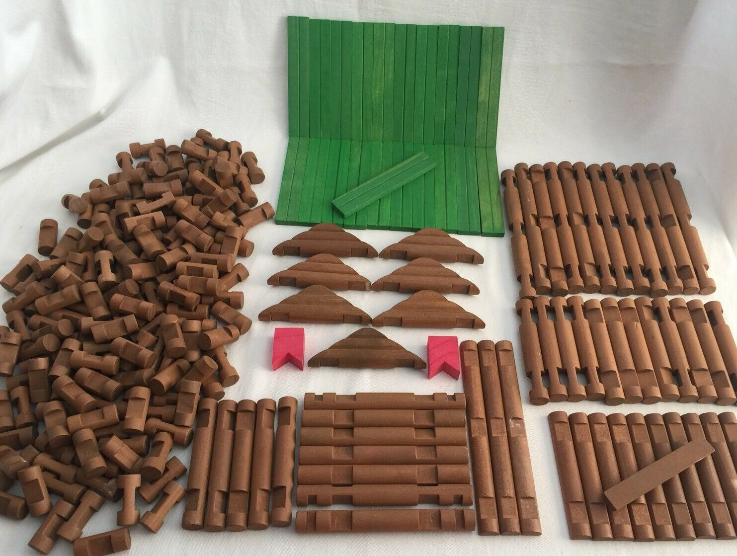 Tumble Tree Timbers 243 Pieces Maxim Lincoln Logs Compatible