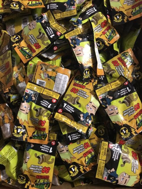 Losse kaarten spellen LOT Of 20 Blind Packs To Collect Johnny Test Series 1 Collectible Figurines