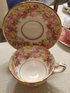 Royal-Stafford-ENGLAND-BONE-CHINA-TEA-CUP-amp-SAUCER-ROSES-034-ROSANNA-034-VINTAGE