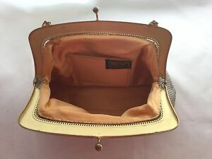 Vintage-1970s-Oroton-beige-Gardenia-mesh-evening-bag-hand-bag-clutch-handbag