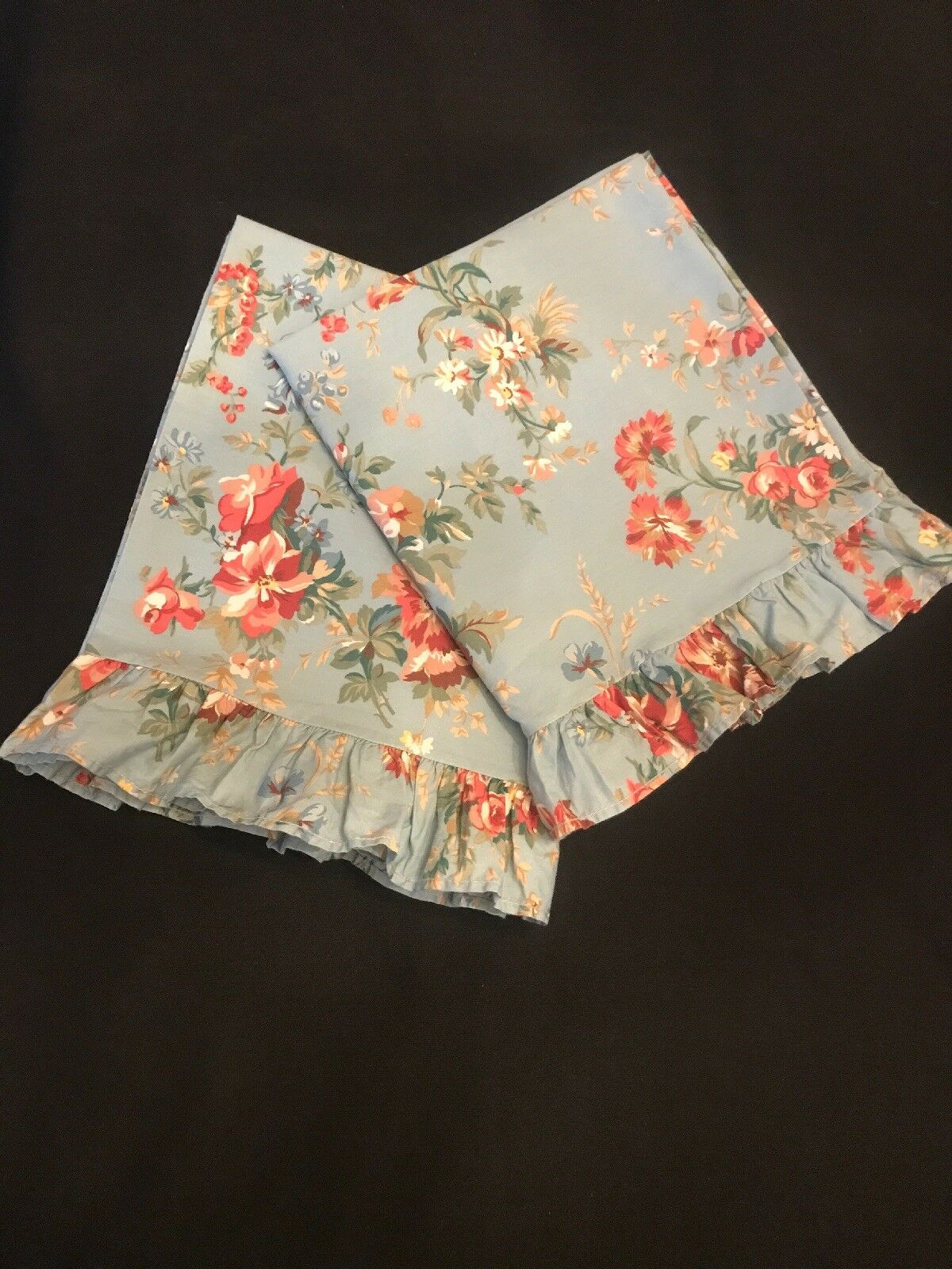 Rare  Vintage Ralph Lauren YVETTE bluee Floral Ruffle Trim Pair King Pillowcases