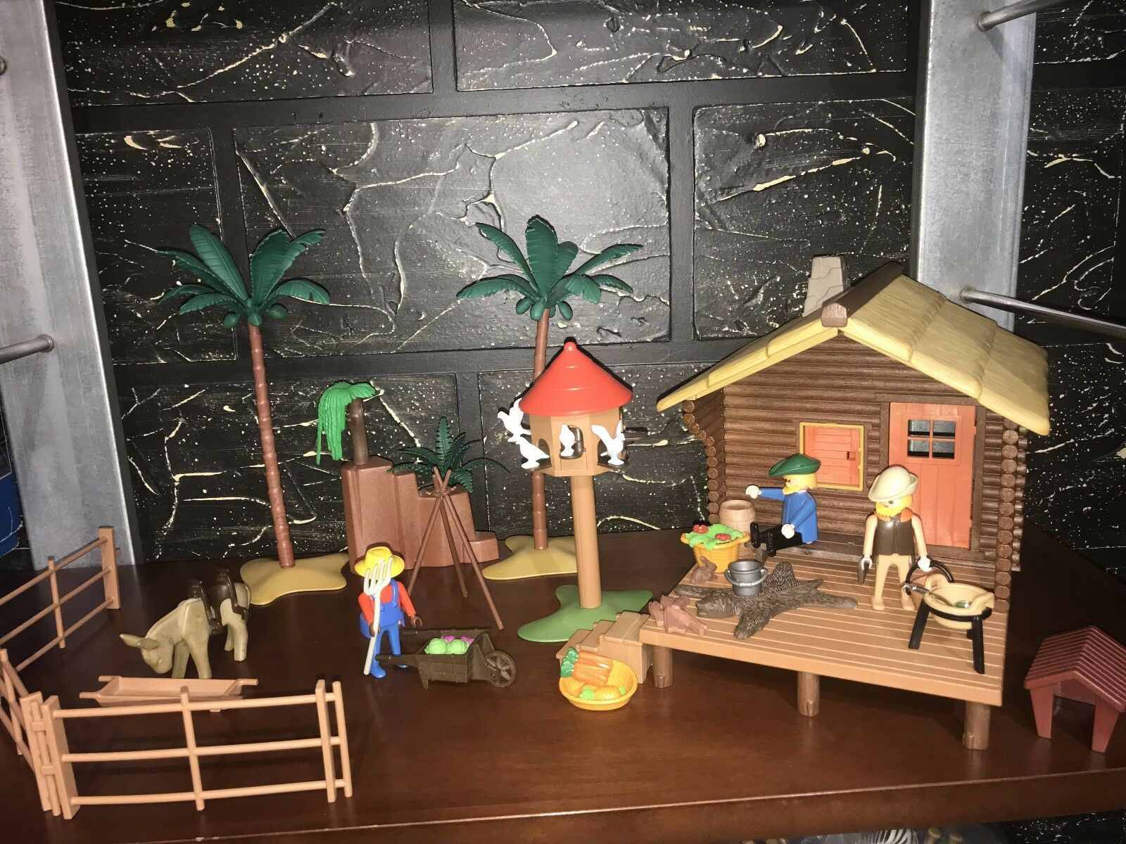 PLAYMOBIL Custom Full Set - The Cabin In The Woods With Pigeon House & EXTRAS