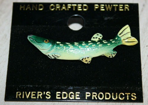 """NEW HAND CRAFTED PEWTER AND ENAMEL HAT TIE LAPEL PIN PIKE OR MUSKY 2/"""""""