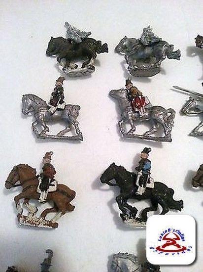 Retro Lote de 19 caballos y 21 jinetes enorme lote de vintage miniaturas.. (C19B1)