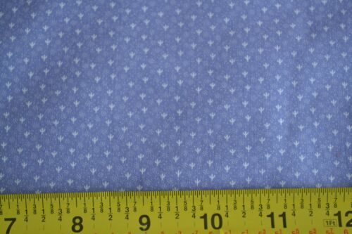 White Calico on Lavender Quilting Cotton By 1//2 Yd N234