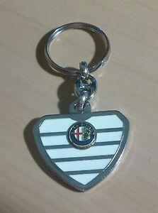Alfa-Romeo-Llavero-Enfriador-Blanco-Dimensiones-de-Emblema-39x32mm