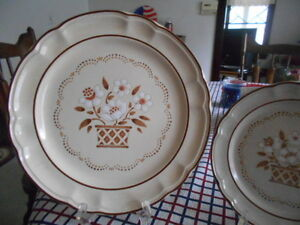 Mayblossom Dinner Plate (s) 10 1/2\