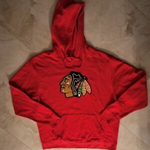 newest 334fe 8d308 Details about Chicago Blackhawks Pullover Hoodie Large Red Primary Logo  Majestic NHL