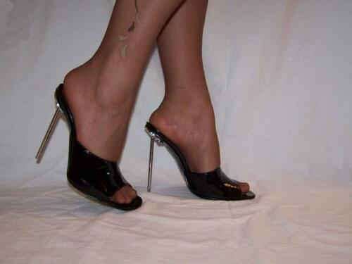 "BLACK OR RED PATENT LEATHER PUMPS SIZE 5-16 HEELS-5,5""- PRODUCER POLAND"