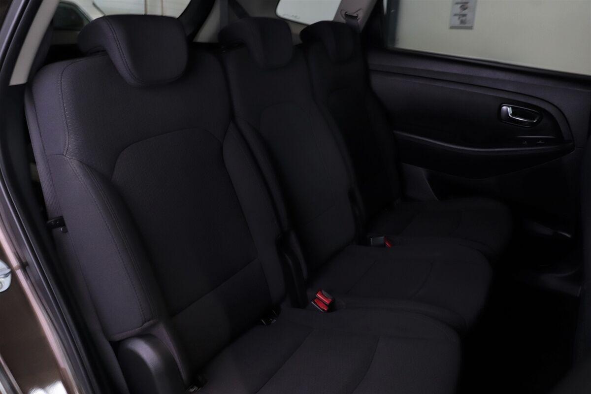 Kia Carens 1,6 GDi Style 7prs