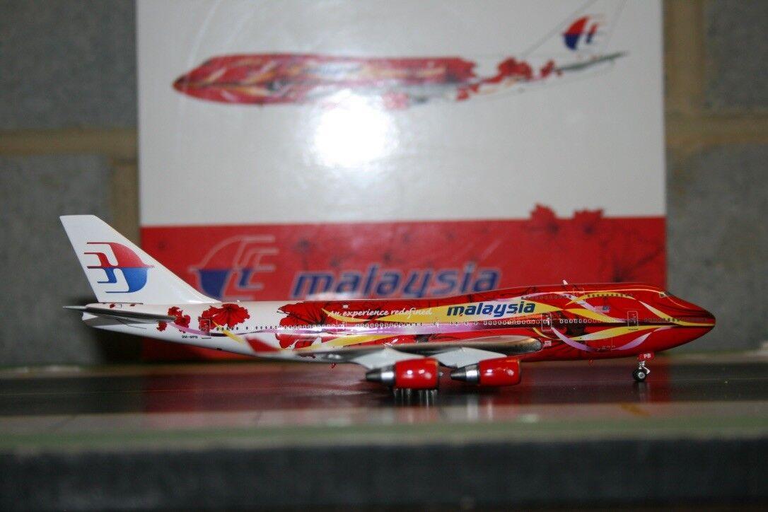 Phoenix 1 400 Malaysia Airlines Boeing 747-400 9M-MPB  Hibiscus  (PH10995)