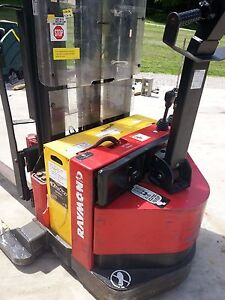 Raymond Electric Walkie Stacker Pallet Jack Forklift With