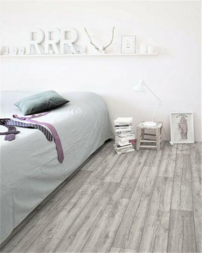 1//2 PVC Bodenbelag in gemustertem Holz 9,95 €//m² - 4m Breite