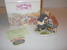 David Winter Cottages 1994 15 Lawnside Road Special for 1994 Collector's Guild