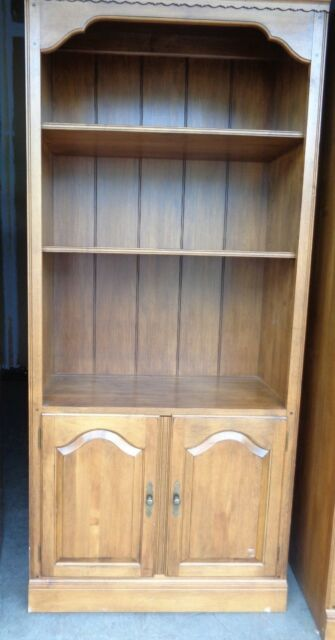 Ethan Allen Circa 1776 Maple Bookcase Cabinet Shelving With Doors