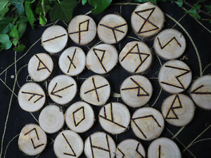 Cherry-Wood-Elder-Futhark-Runes-Bag-amp-Information-sheet-Pagan-Witchcraft
