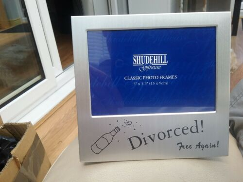 "Photo frame  /"" divorced free again /""gift frame"