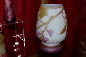 vase patte de verre degagé a l acide legras