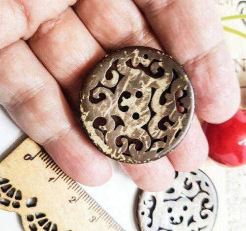 6 Stück 34mm Designer Kokosknöpfe filigraner Durchbruchmuster Kokosnussschale