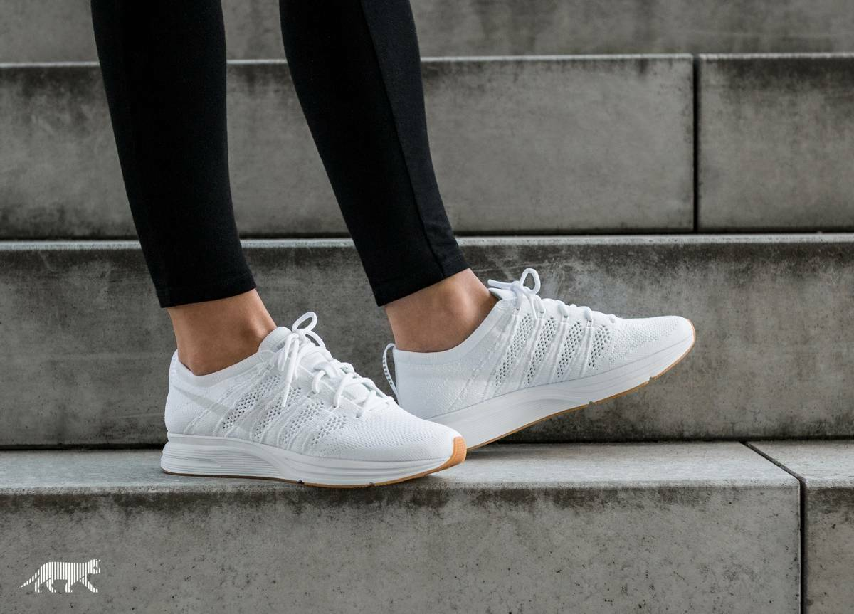 NIKE FLYKNIT TRAINER TRIPLE Blanc AH8396 102 BRAND NEW LIFESTYLE Chaussures