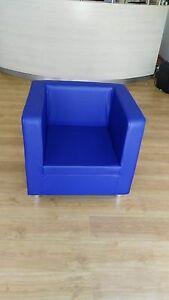Divano Blu per ufficio 1 posti Made in Italy realizzabile in tutti i colori