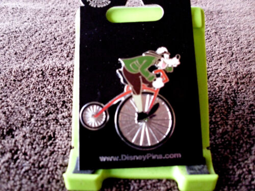 Trading Pin GOOFY on VINTAGE BICYCLE Disney New on Card