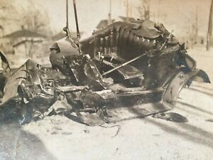 Old Vtg Ca 1930s Group of Five Car Crash Wreck Photos With Accident Victims