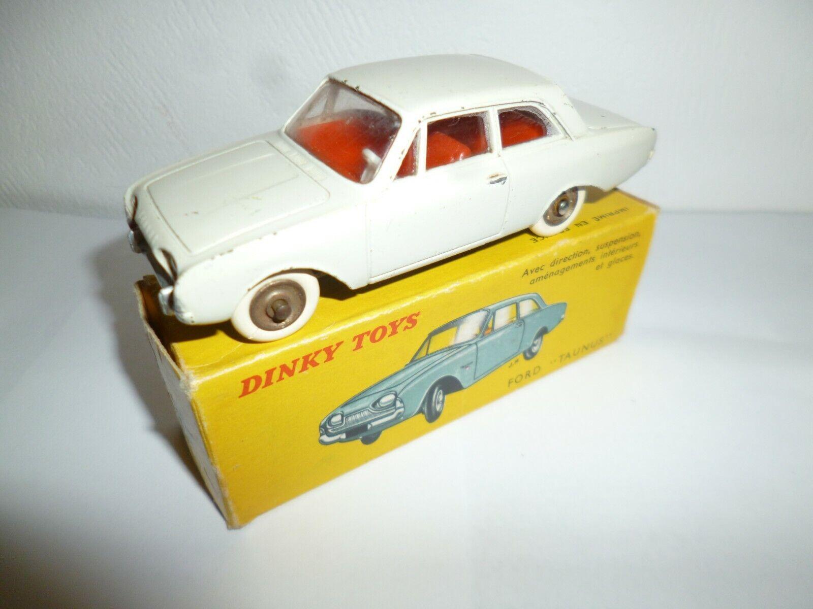 FORD TAUNUS DINKY TOYS 1.43e métal  fabrication années 60 avec boite d'origine