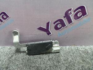 1Y08036-Mercedes-W211-E270-CDI-Antenne-Navi-Verstarker-A2118207689