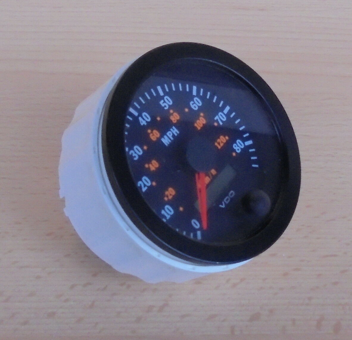 BBCM 00014490 Gauge Speedometer VDO ( Vergl NSN 6680-01-565-8752 6680015658752 )