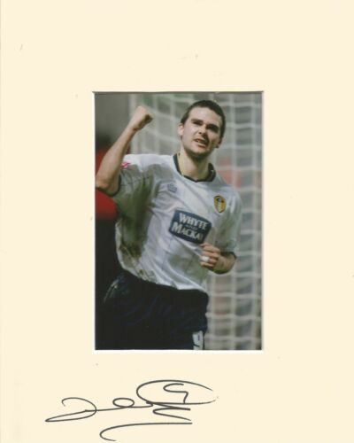 10 x 8 inch mount personally signed by David Healy of Leeds United on 04.02.2015