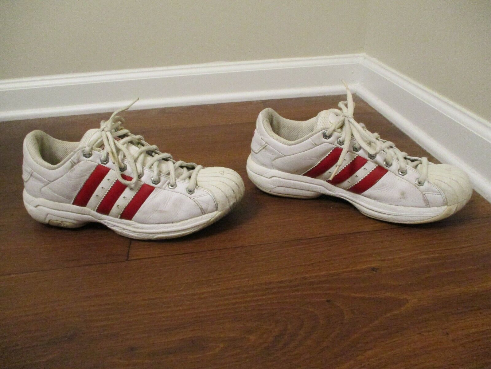 Classic 2002 Used Worn Size 10 Adidas Superstar 2G shoes White Red Chrome SS2G