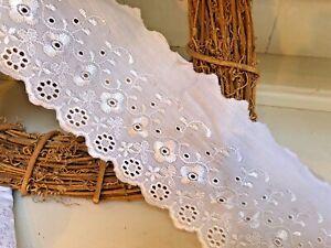 """* Neuf * Superbe 4""""/10cm En Coton Blanc Plate Fleur Bord Broderie Anglaise Dentelle-afficher Le Titre D'origine"""