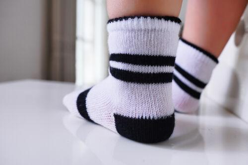 Bébé Garçons Coton Socquettes Avec Plat Bout Coutures pour un confort supplémentaire tendre Peau
