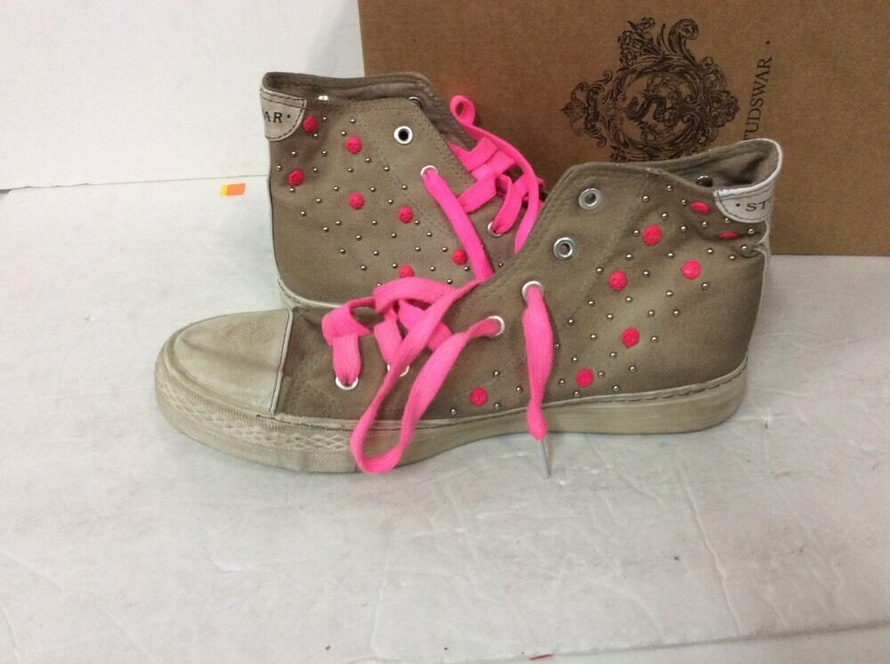 STUDSWAR - JOY CHALK PINK HIGH TOP STUD STUD STUD SNEAKER SZ 6 RETAIL  185 99e084