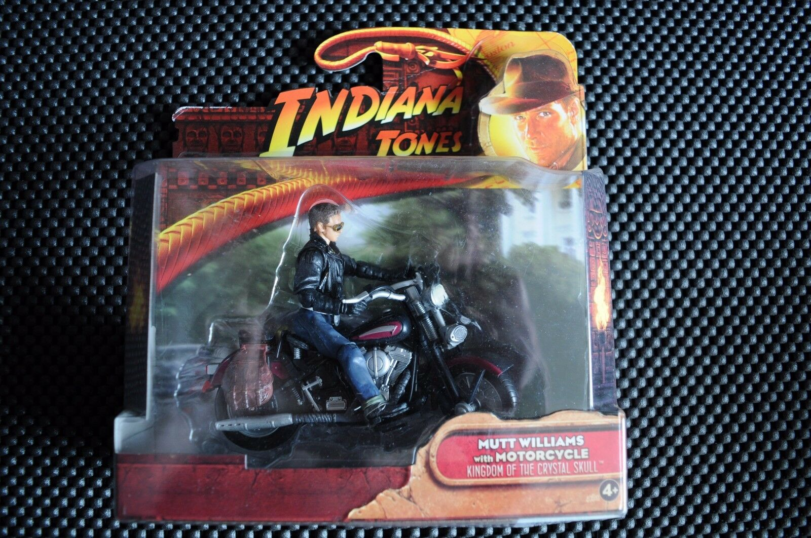 INDIANA JONES KINGDOM OF THE CRYSTAL SKULL MUTT MUTT MUTT WILLIAMS & MOTORCYCLE FIGURE f7ba0d