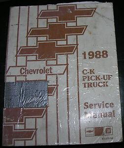 NICE-88-C-K-Chevrolet-Pickup-Truck-Service-Manual-Set-VGC-Barely-Used-1988