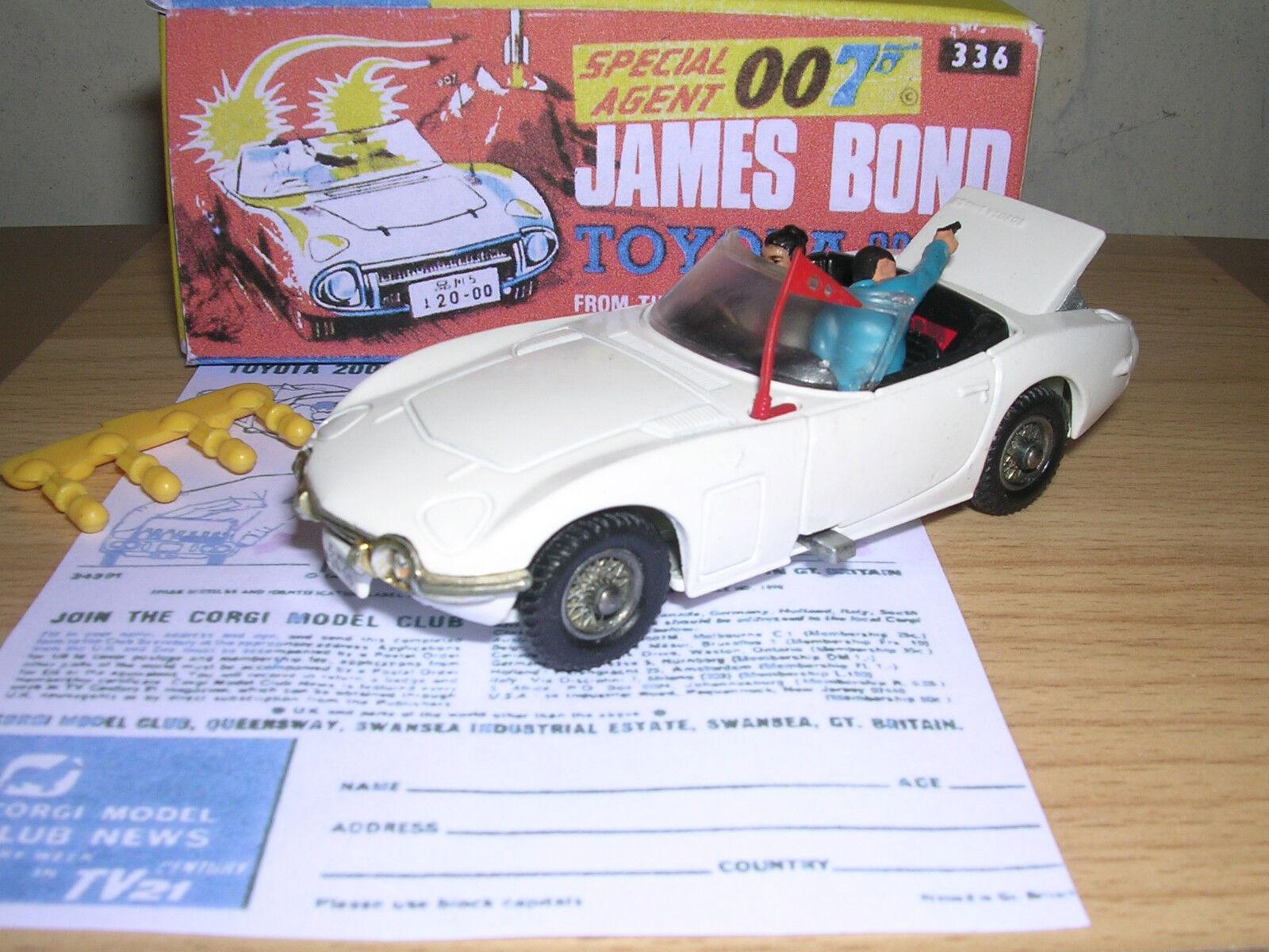 CORGI 336 JAMES BOND TOYOTA & BOX - SUPERB