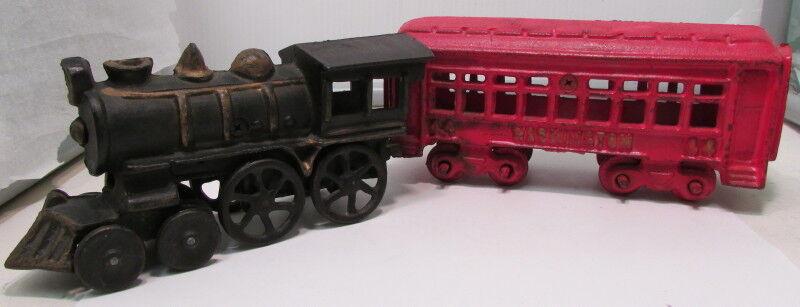Vintage Cast Iron Train Engine & Car – Moveable Parts