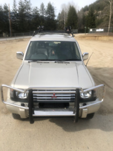 1991 Mitsubishi Pajero Right Wheel Drive Diesel 180,000 Km
