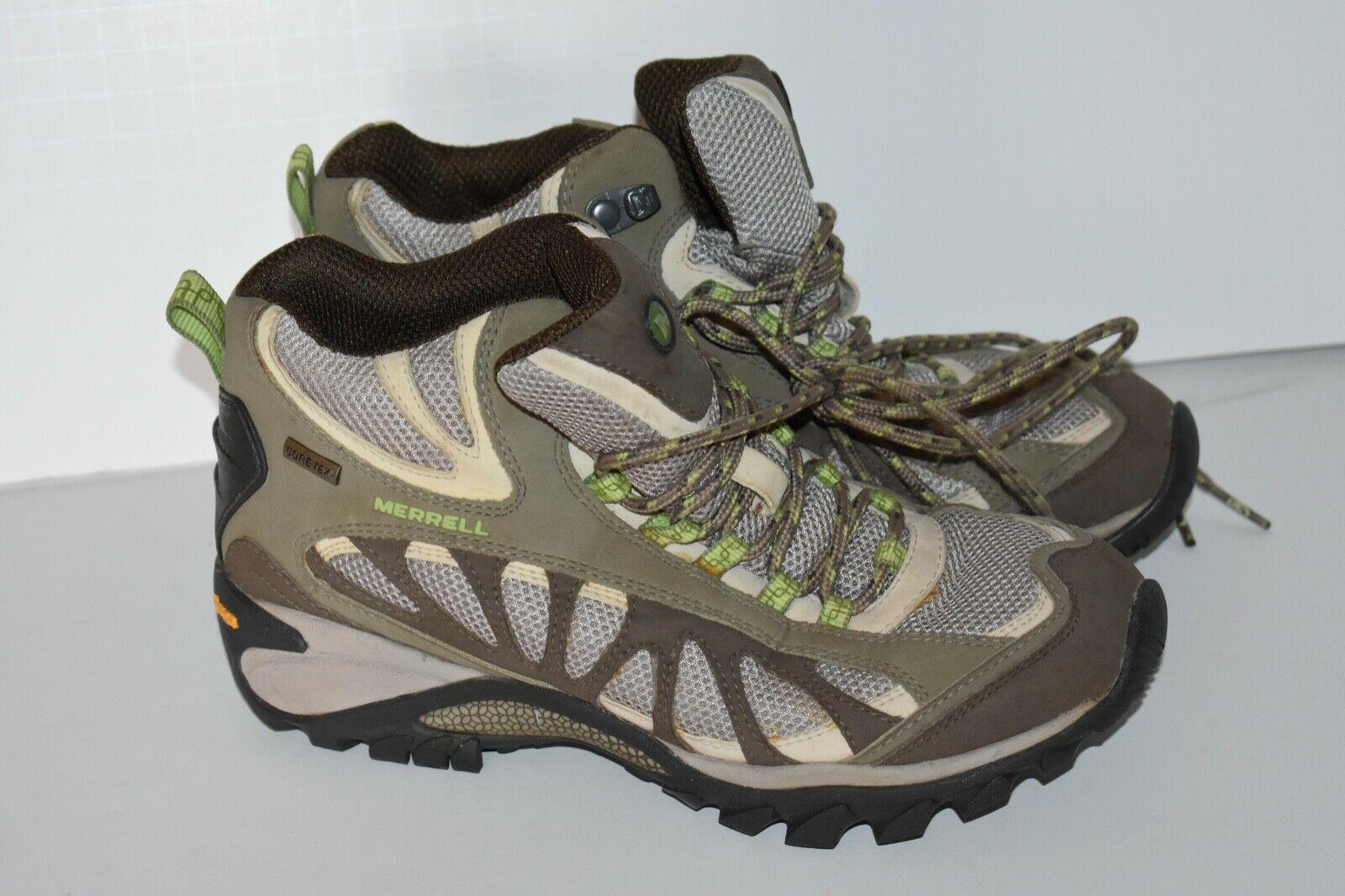 HIKING BOOTS Merrell J16042 Siren Ventilator Mid Gore-Tex Womens Ladies size 7