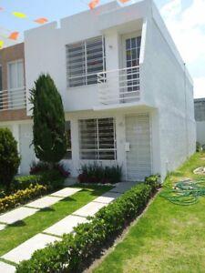 Casa de 2 Recamaras Con Balcón a 10 minutos de San Cristobal Centro Ecatepec