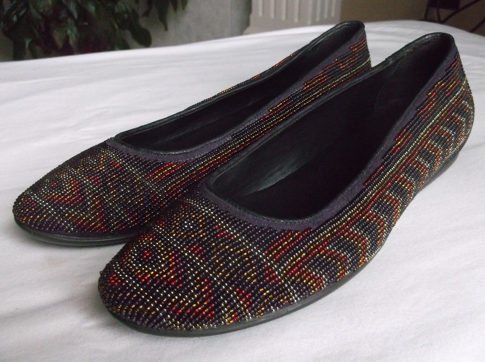 Donald J Pliner Hasin Purple Plum Southwest Aztec Hand Beaded Flats 7.5N Italy