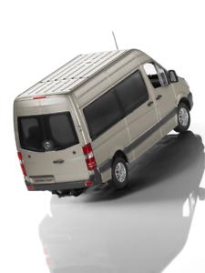 Mercedes-Benz-Modele-de-Voiture-1-43-Nfz-Sprinter-Break-Perle-Argent-2013