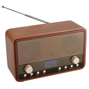 digital fm receiver retro radio and alarm clock aa. Black Bedroom Furniture Sets. Home Design Ideas