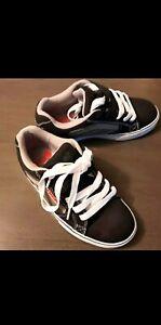 Tony hawk boys shoe size 3 med