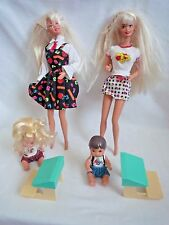 2 VINTAGE BARBIE DOLLS & KELLY & TOMMY TODDLER DOLLS WITH SCHOOL DESKS