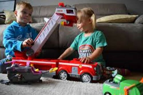 PAW Patrol Kids Ultimate Rescue Fire Truck with Extendable 2 ft Tall Ladder