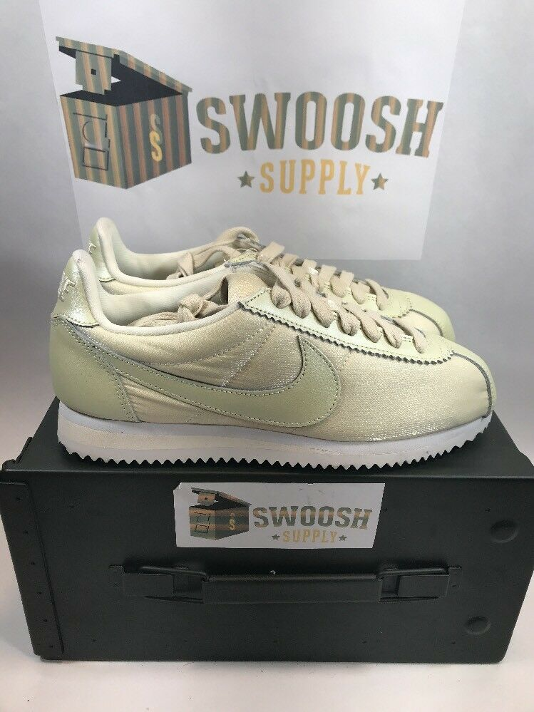 Nike Classic Cortez Premium Shoes Women's Running Shoes 905614 901 Lt Green Sz 7 The most popular shoes for men and women