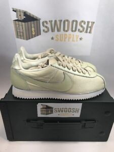 huge selection of 4abba 06fb2 Image is loading Nike-Classic-Cortez-Premium-Shoes-Women-s-Running-